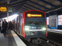Zug S Bahn S in Hamburg Stockfotos