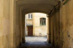 Zugang zum historischen Stadtzentrum Stockbilder