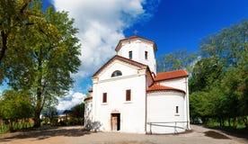 Zugdidi, la Géorgie - 24 avril 2017 : Palais de Dadiani historiques et musée architectural et église situés à l'intérieur d'un pa images stock