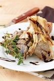 Zugebereitetes Lammfleisch stockfotografie