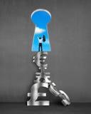 Zugejubelter Geschäftsmann mit Schlüsselformtür- und -stapelgeldsymbolen Stockfoto