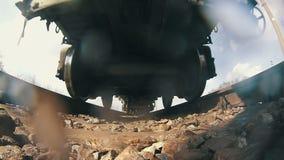 Zugfahrten auf Schienen stock video footage