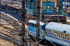 Zugnahaufnahme an der Station lizenzfreie stockfotos