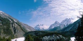 Zugspitze è il più alto picco delle montagne di Wetterstein alpi Panorama del paesaggio di inverno Fotografia Stock Libera da Diritti