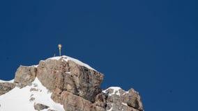 Zugspitze, σύνοδος κορυφής και σταυρός απόθεμα βίντεο