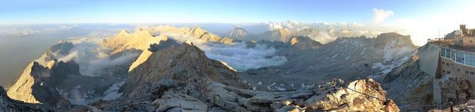 Zugspitze, υψηλότερη αιχμή βουνών της Γερμανίας Στοκ Εικόνα