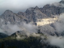 Солнечные лучи на массиве горы Zugspitze Стоковое Фото