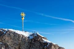 Zugspitze-Gipfelkreuz Lizenzfreie Stockbilder