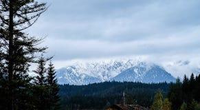 Zugspitze loppfoto - Germany's högst maximum Arkivfoto