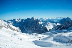 Zugspitze skidar semesterorten Arkivbild