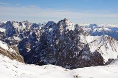Zugspitze wysokie góry w zimy świetle Zdjęcia Stock