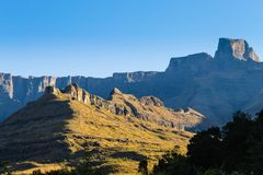 Zuidafrikaans oriëntatiepunt, Amphitheatre van Koninklijke Natal National P Royalty-vrije Stock Afbeelding