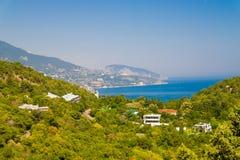 Zuidelijke kust van de Krim, Livadia, overzeese mening Stock Foto's