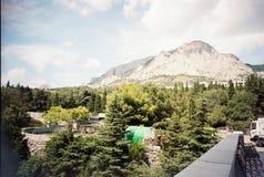 Zuidelijke kust van het dorp van de Krim Foros, stadspark royalty-vrije stock foto's