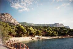 Zuidelijke kust van het dorp van de Krim Foros, stadspark stock fotografie