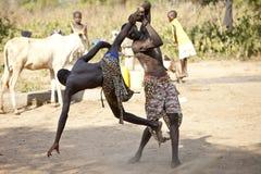 Zuiden Soedanese worstelaars stock foto