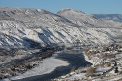 Zuiden Thompson River - de winter toneel Royalty-vrije Stock Afbeeldingen