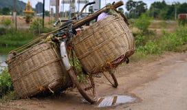Zuidoostaziatische stijl voor het reizen van fietsen Stock Foto's