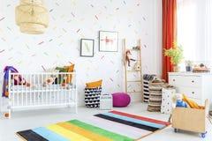 Zuigelingsruimte in Skandinavische stijl stock fotografie