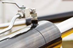 Zuiger of actuator van hydraulisch en pneumatisch machines, technologie en techniekconcept stock afbeelding