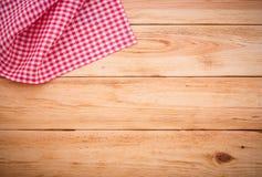 Zuiver notitieboekje voor opnamemenu, recept op rood geruit tafelkleedgeruit schots wollen stof Stock Foto's