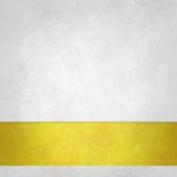 Zuivere witte achtergrond met gouden footer streep op bodemgrens, oude Witboek uitstekende textuur als achtergrond Stock Fotografie