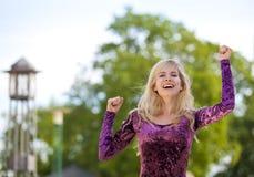 Zujubelndes blondes Art und Weisebaumuster Lizenzfreie Stockfotografie