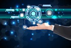 Zukünftige Netztechnologie und -ikonen des Geschäftsmannes auf der Hand Stockfotos