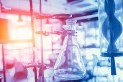 Zukunft der chemischen Biowissenschaft und des Forschungskonzeptes lizenzfreies stockfoto