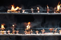 Предлагая свечи Zula Стоковое Фото