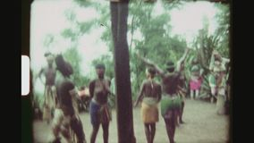 Zulu Tribe Preparing To Perform lager videofilmer