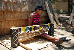 zulu vrouwenweefsel (Zuid-Afrika) Royalty-vrije Stock Fotografie