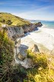 Zumaia海岸锋利的峭壁  免版税库存照片