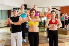 Zumba o Jazzdance - dancing dei giovani Fotografia Stock
