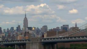 Zumbido da ponte de Brooklyn NYC para fora video estoque