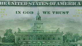 Zumbir dentro sobre 'no deus nós confiamos 'em uma nota de dólar dos E.U. 100 video estoque