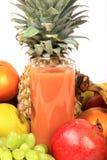 Zumo de fruta fresca Fotos de archivo libres de regalías