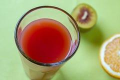 Zumo de fruta de las naranjas de sangre foto de archivo libre de regalías