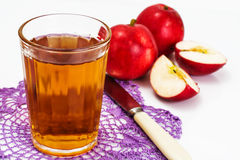 Zumo de manzana sabroso dulce de la vitamina Imagen de archivo