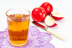 Zumo de manzana sabroso dulce de la vitamina Imagenes de archivo