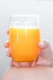 Zumo de naranja listo para beber cada día foto de archivo libre de regalías