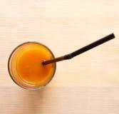 Zumo de naranja natural Foto de archivo