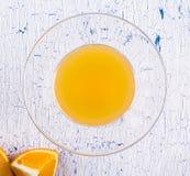 Zumo de naranja natural en Imagenes de archivo