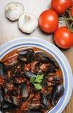 Zuppa di Cozze - Impepata di Cozze - Miesmuschelsuppe Stockfoto