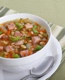Zuppa di fagioli e del prosciutto Fotografie Stock Libere da Diritti
