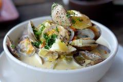 Zuppa di molluschi e latte di San Francisco fotografia stock