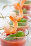 Zuppa di verdure fredda con i gamberetti Fotografia Stock