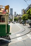 Zurück vom San Francisco-Tramüberschreiten lizenzfreies stockfoto