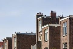 Zurück von den traditionellen kleinen Häusern in Rotterdam stockfotos