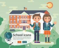 Zurück zu Schulabdeckungsdesign mit jugendlich in der Uniform Lizenzfreies Stockfoto